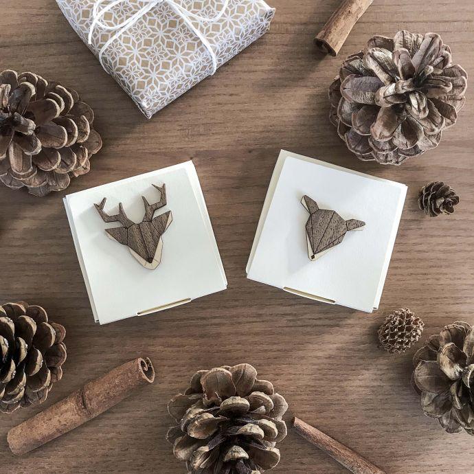 dřevěné brosne Doe a Deer Brooch