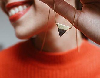 Brošne a šperky