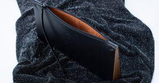 BeWooden - Čo by dámam na plese v listovej kabelke nemalo chýbať